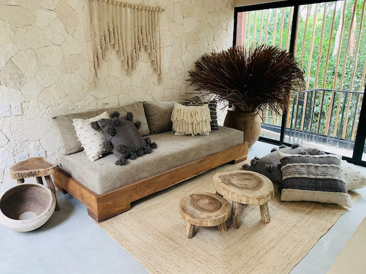 Luxury Boutique Boho Apartment 12