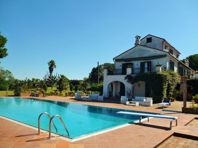 Villa Matilde - Cellole - Huvila