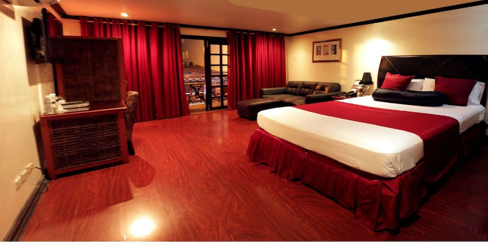 ANGELES CITY, FAST WIFI, FIELDS AVE - Angeles - Bed & Breakfast