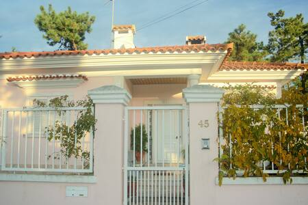 Country house near the beach and Lisbon - Aroeira