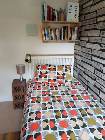 Single room in uphill Lincoln