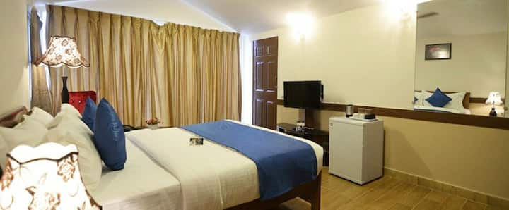 Pink Cottage Rooms-2 min Ride To Baga Beach KS
