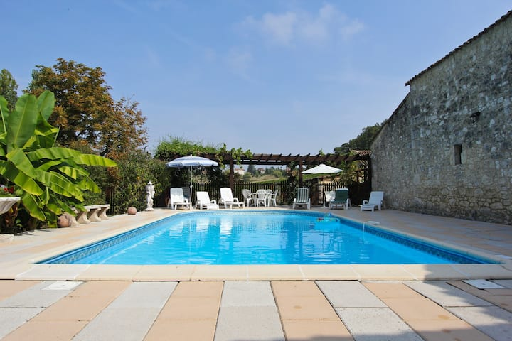 Lecoutureau villa with heated pool
