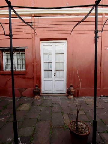 Hermosa Casona Antigua en pleno centro de Salta