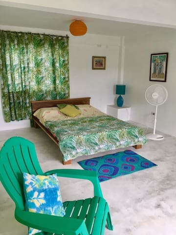 Yvaga Private Retreat  1BR (Green Room)
