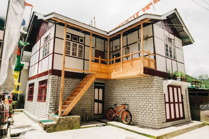 OurGuest Lhakhim Homestay, Lachen (meals inc)
