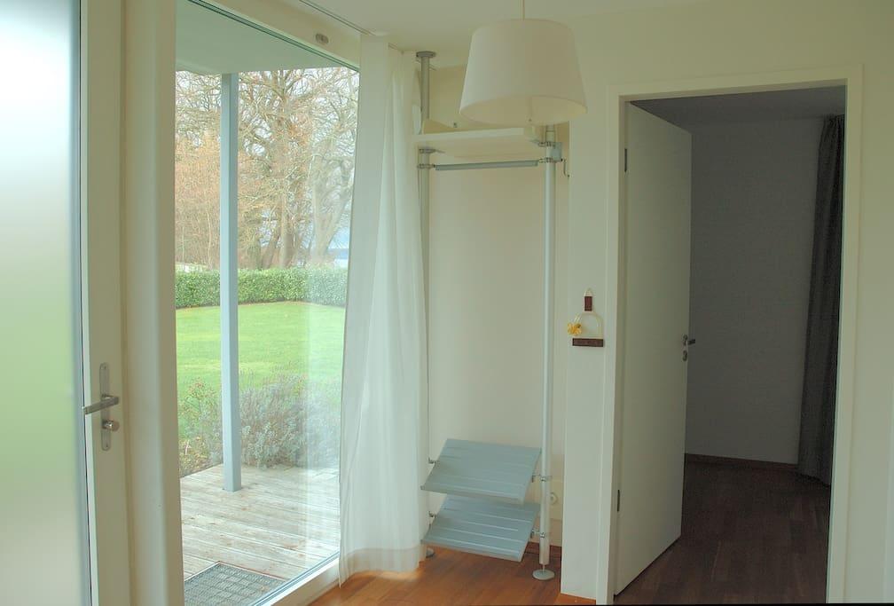 Eingangsbereich mit kleiner Garderobe
