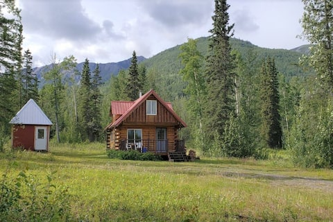 McCarthy Cabins — Meadow Cabin