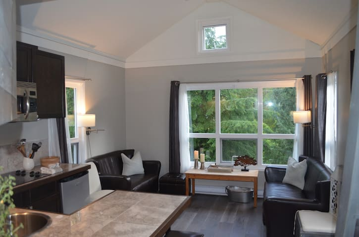 Modern Designed Whistler/Creekside Condo