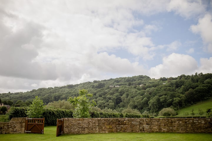 Beautiful 14th c. conversion in Wye Valley