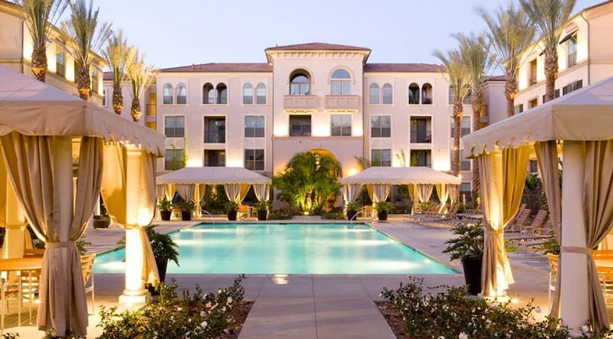 Two Beds/Resort Community/Private Bath/Convenient - Irvine - Apartment