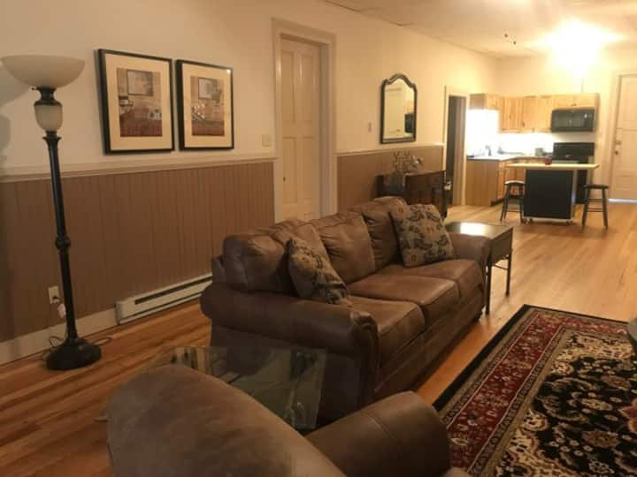 Business Stay Apt, Third Fl, Downtown Norwich NY