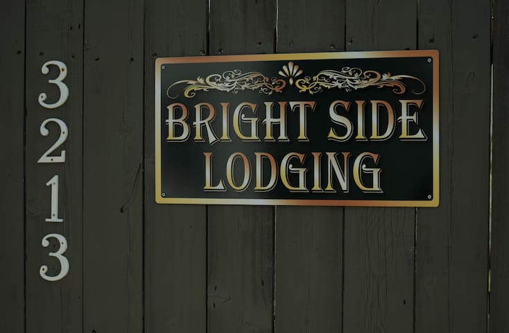 Bright Side Lodging Centrally Located