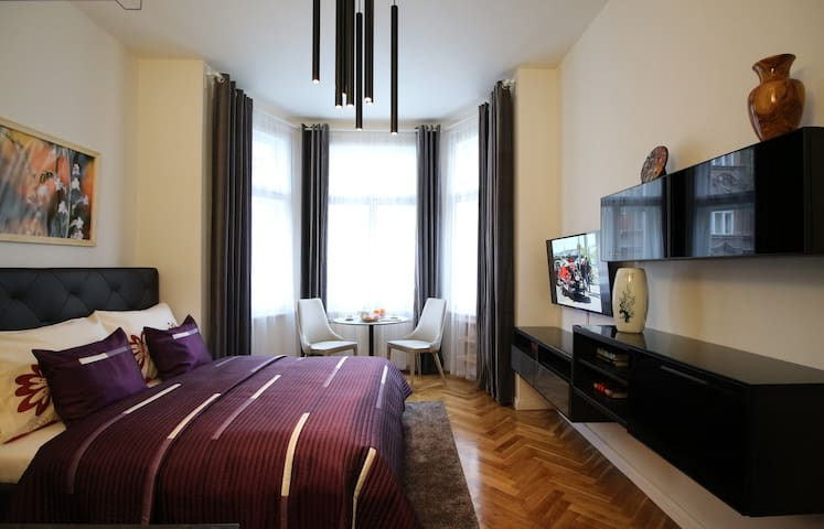 Expo Apartment