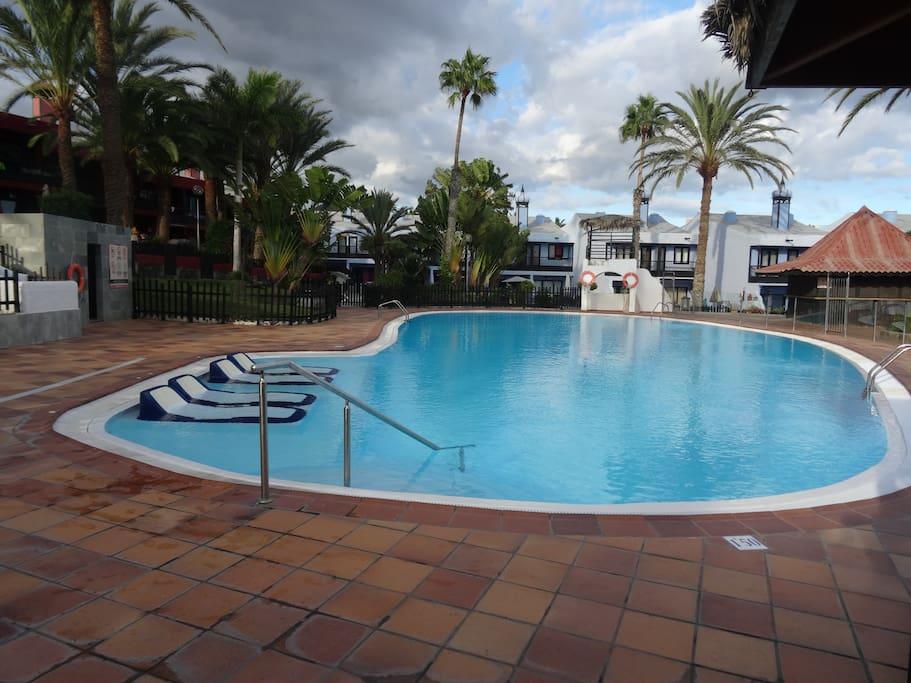 Casa sun club townhouses for rent in san bartolom de for Muebles san bartolome