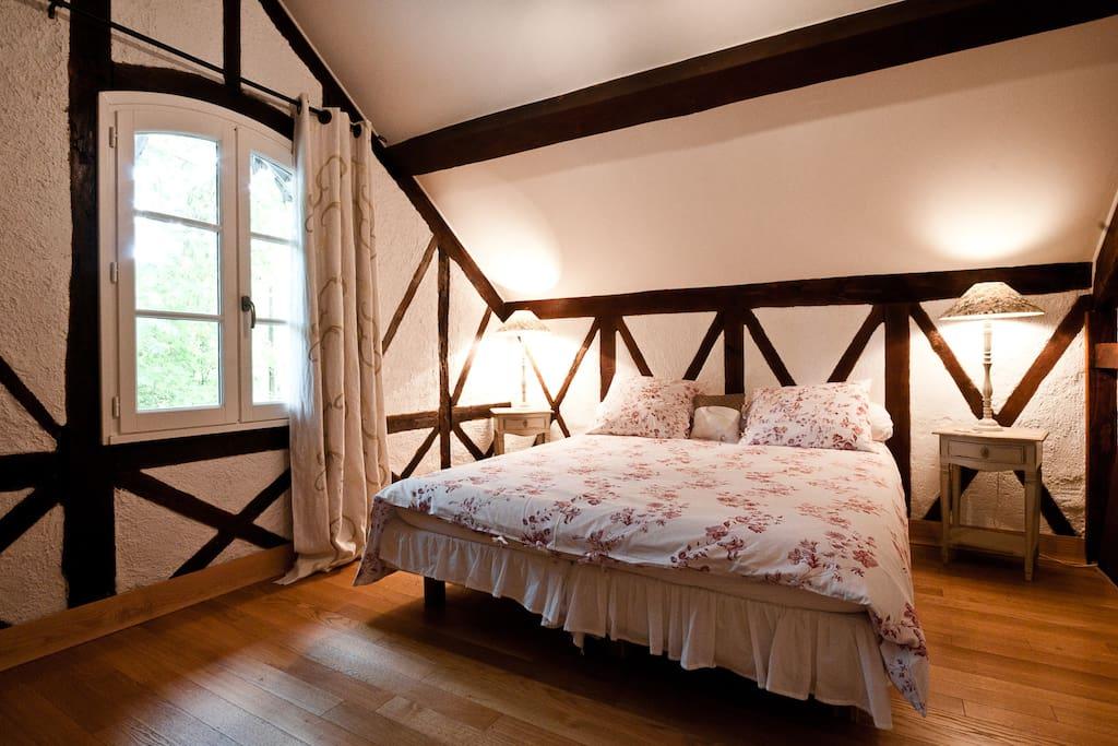 Chambre principale. Lit double ou 2 lits simples, selon besoin