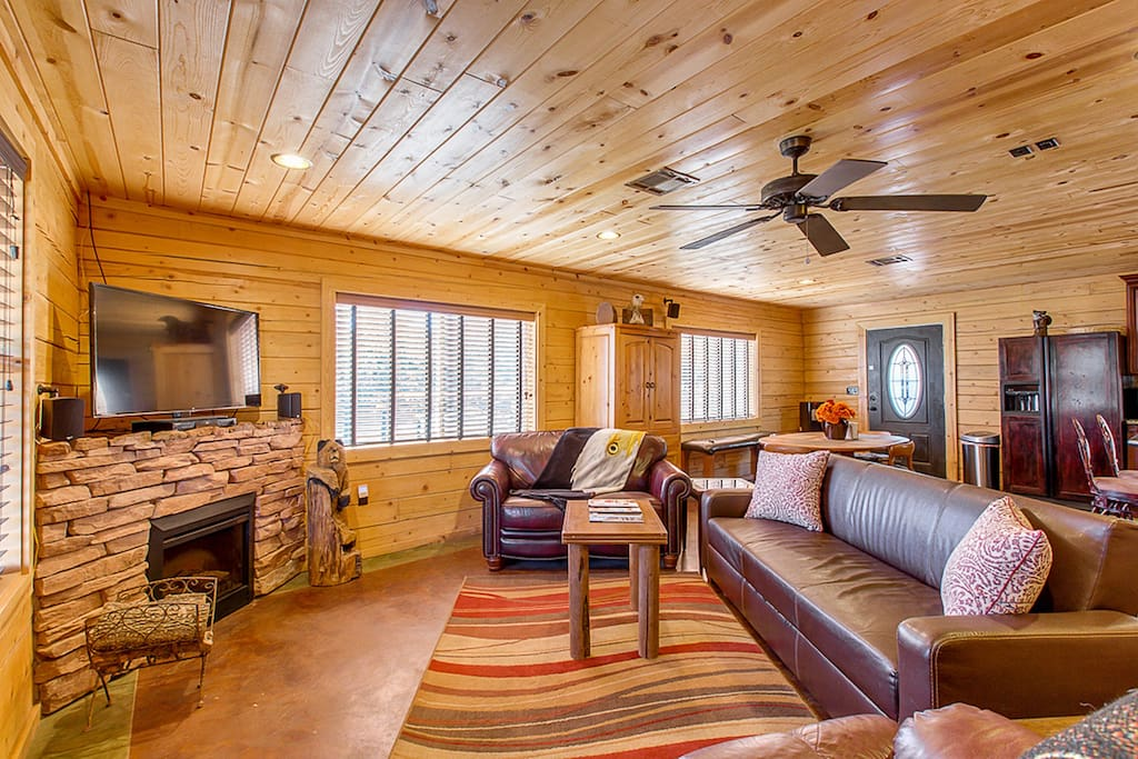 the eagles nest hillside retreat cabins for rent in