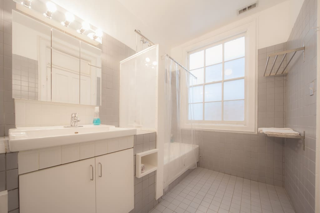 Bathroom for Rent