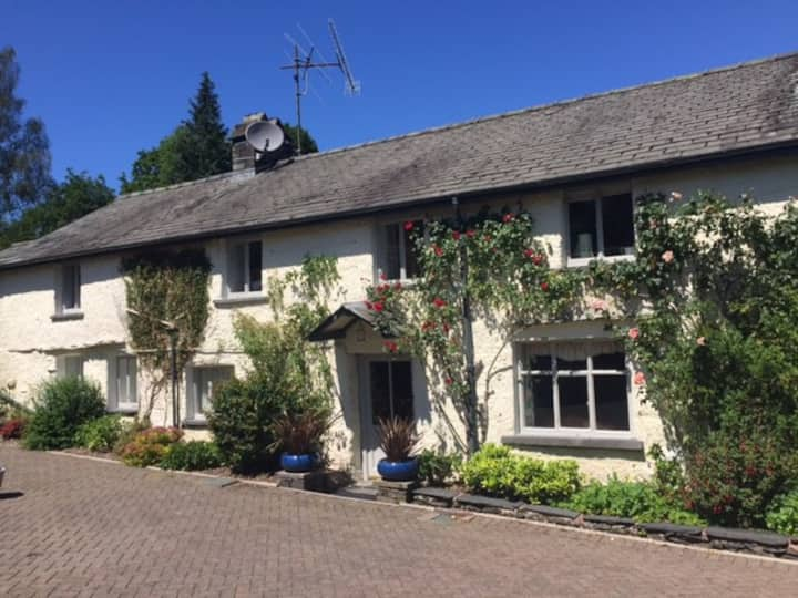 Beautiful 16th Century Farmhouse - sleeps 2