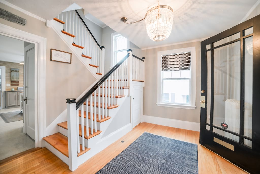 Newly renovated, 4-Bedroom house in the Center of Plymouth's Historic Downtown Waterfront