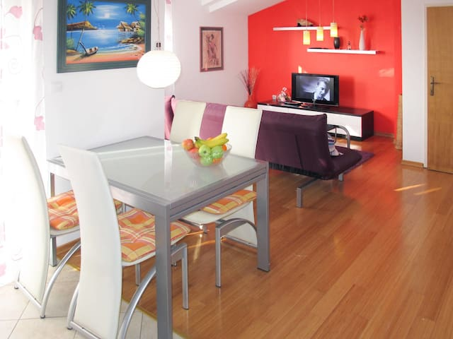 Holiday House Eva in Porec for 6 persons