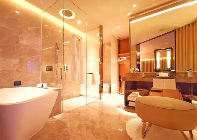 摩泊斯酒店
