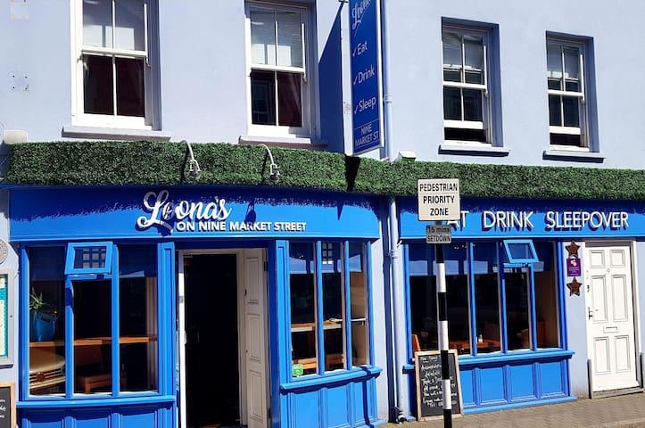 Nine Market Street, Cafe/Restaurant and guestrooms