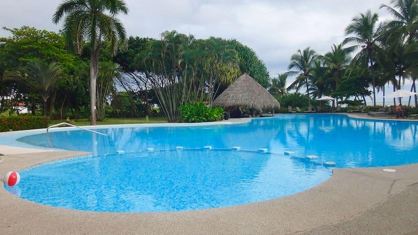Nido del Mar + Private Pool+Beach Front Club