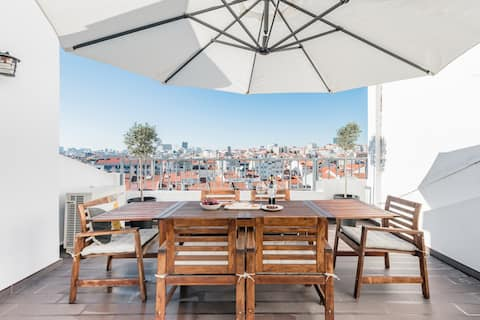 Revamped Penthouse with Panoramic View Terrace