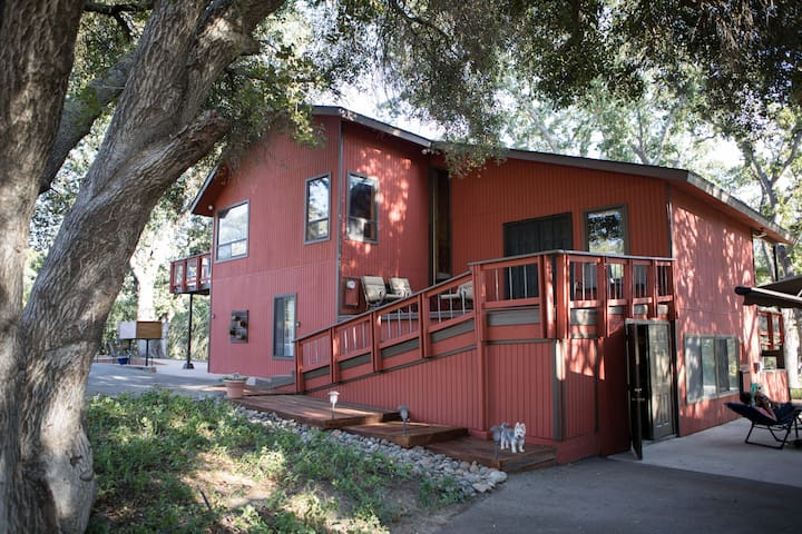 Country home, privacy, close to SLO and Paso