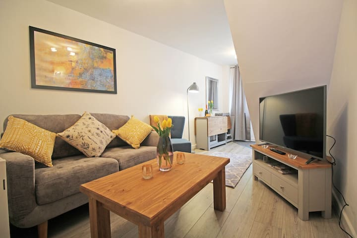 Stylish, Cosy Home in the Heart of Chester ⭐