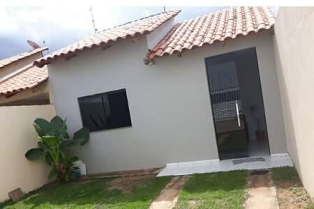 Casa com piscina mimoso 2 (aluguel ou diária)