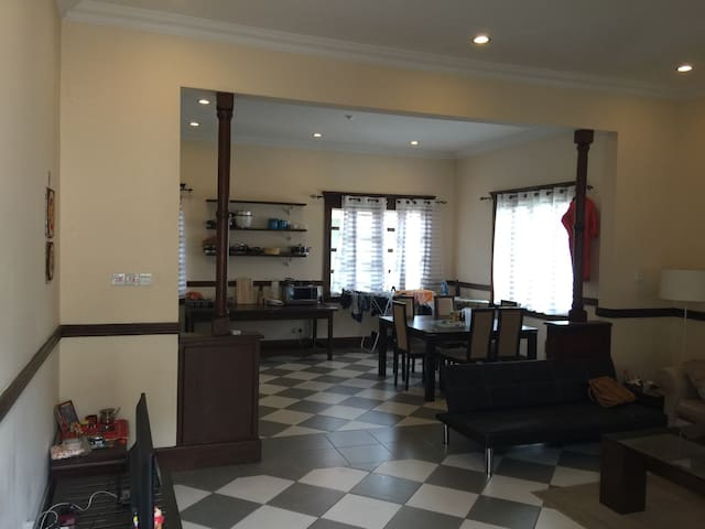 A Beautiful Colonial Retreat in Osu - Accra - Huoneisto