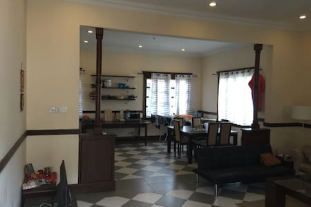 A Beautiful Colonial Retreat in Osu - Accra - Lakás