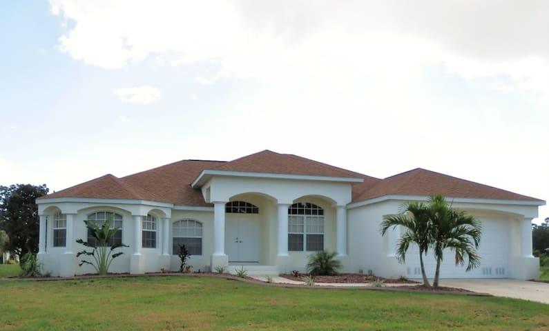 Broad Key Villa - Rotonda West - Dům