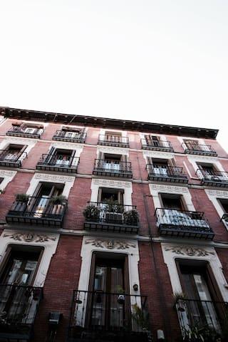 Cómodo piso al lado de C/Fuencarral - Madrid - Pis