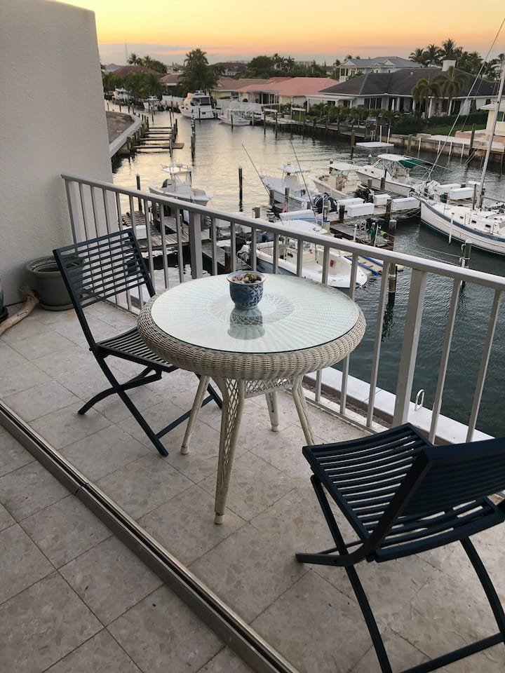 Seaside Villa - Singer Island - 2 Bed 2 Bath