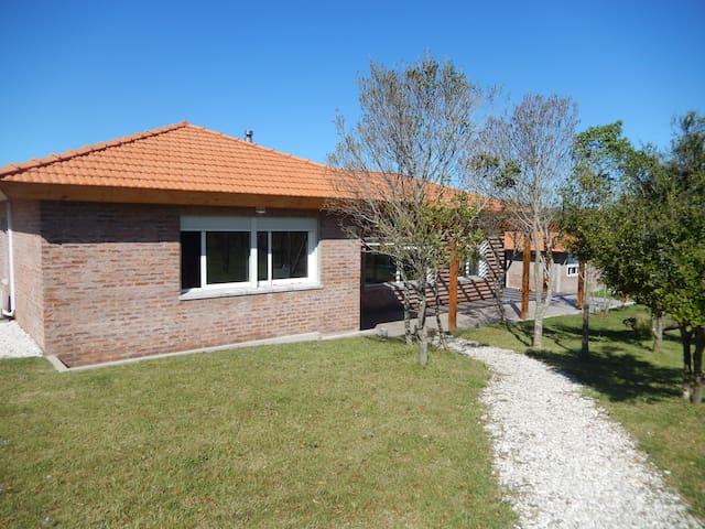 Spacious and comfortable house in Punta Colorada - Piriápolis - Huis