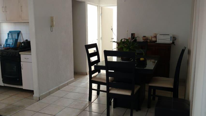 Alojamiento en habitación privada y tranquila