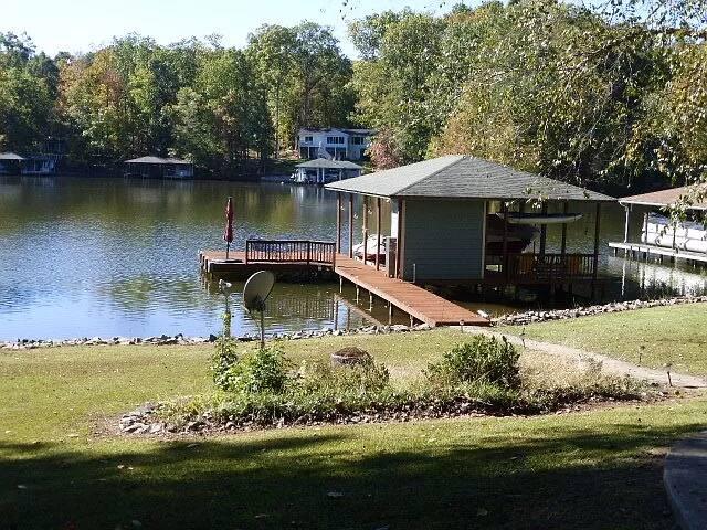 Hamilton House - Family Retreat on Lake Gaston