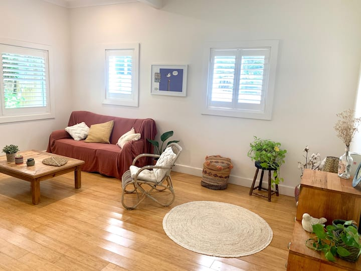 Unfurnished private rooms available in Bondi