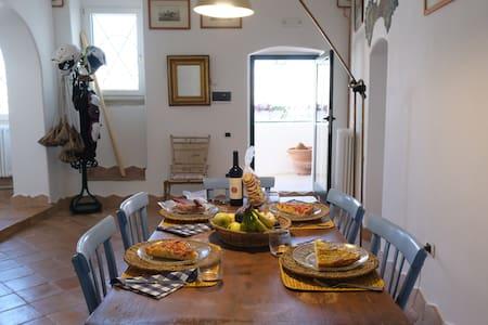 Pignatelli's house