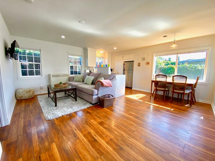 Beautiful new remodel. Private home. Sleeps 4-5.