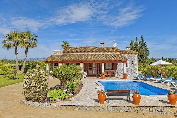 Finca Las Naranjas for 6 persons near Can Picafort Mallorca