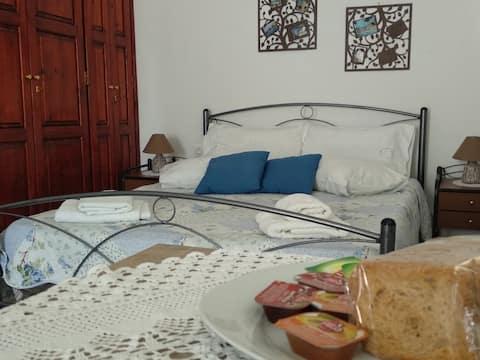 Estudio tradicional en el centro de Anafi