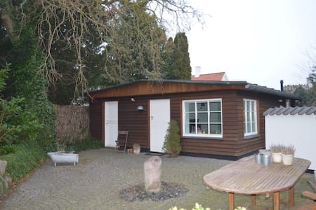 Anneks close to the beach and Rungsted Harbour - Rungsted Kyst - Guesthouse