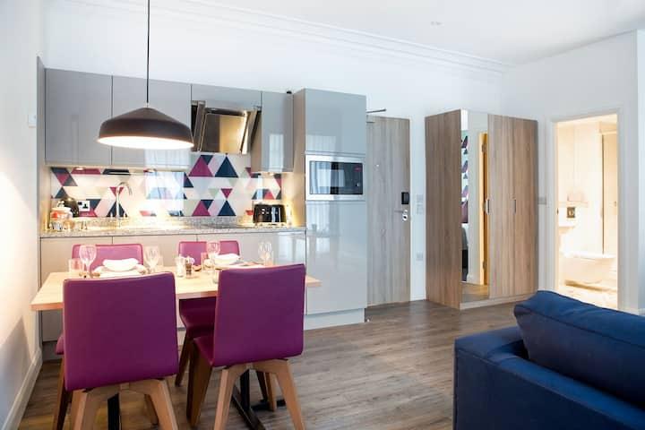 Cityroomz Edinburgh Suite