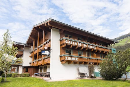 Lovely Apartment with Sauna, Ski Storage, Pool, Terrace
