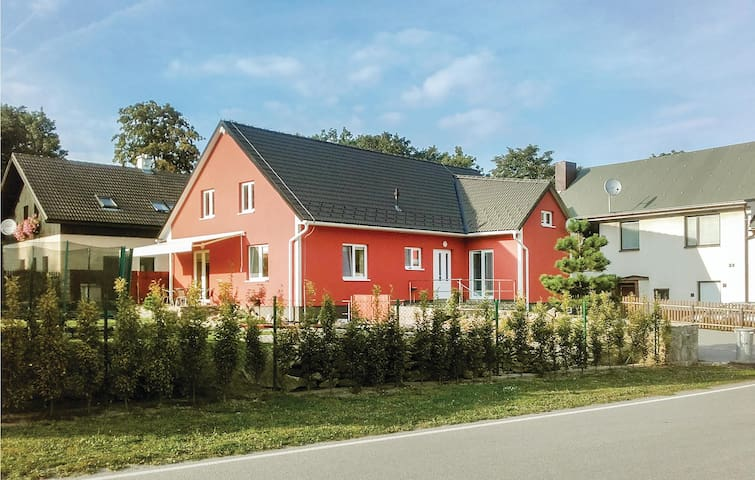 Holiday cottage with 3 bedrooms on 127 m² in Nove Mesto na Morave