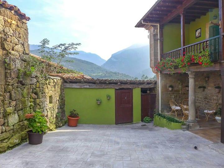 Casa Dora , entre Picos de Europa y mar Cantábrico